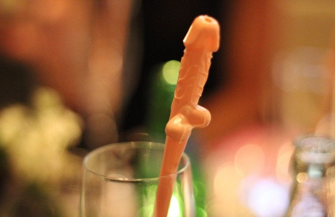 Penis-straw-hen-party-660x428